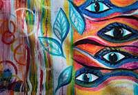 Ränder, cirklar och blad i vänstra delen av målningen i abstrakt form. Till höger fyra ögon i nedfallande rader. Dominerande färger blå, rosa, orange