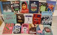 Foton på böcker till den internationella kvinnodagen
