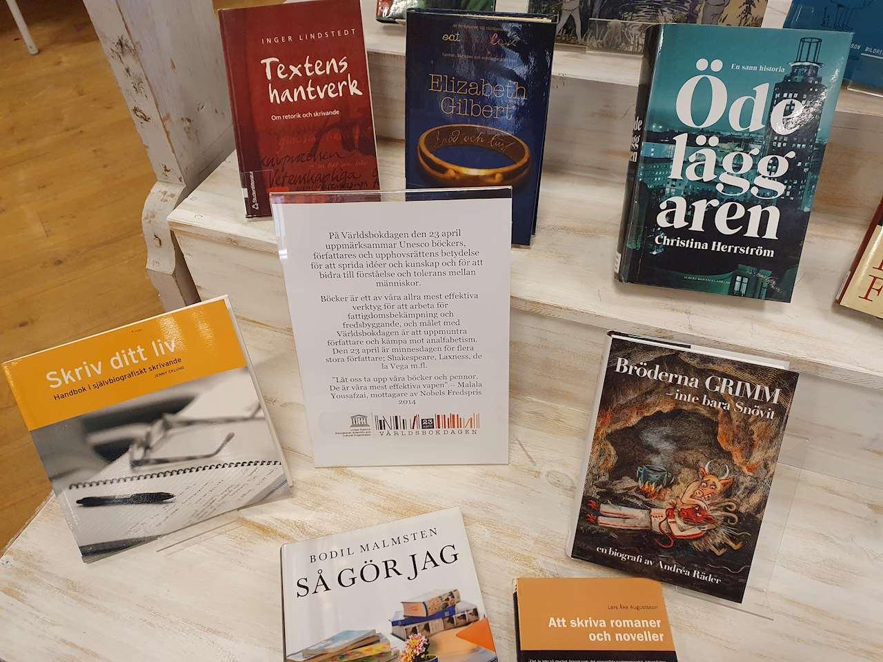 Böcker till världsboksdagen 2021 på Sorsele bibliotek